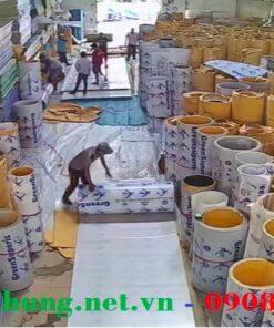 Hinh ảnh kho hàng tấm lợp lấy sáng Polycarbonate đặc ruột Cty Việt Hưng