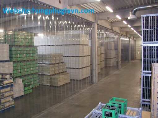 Màng nhựa PVC dẻo trong suốt làm vách ngăn bụi, lạnh và côn trùng