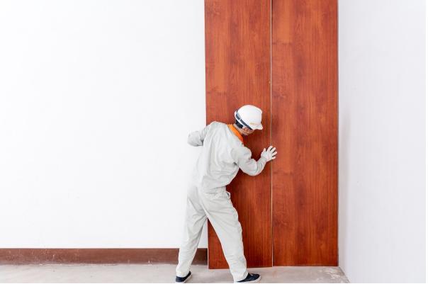 Chọn nhựa vân gỗ ốp tường, ốp trần có kích thước tương ứng với tường