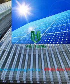 Nhà SX Tôn nhựa lấy sáng sợi thủy tinh composite lợp dưới tấm Pin điện năng lượng mặt trời