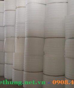 Kho hàng cuộn mút xốp Pe Foam trắng chống va đập