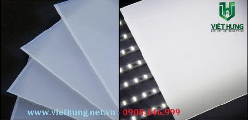 Tấm tản sáng Polycarbonate giá rẻ tại Tp.HCM